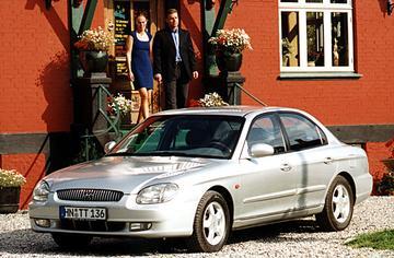 Hyundai Sonata 2.5i V6 24V GLS Luxe (2000)