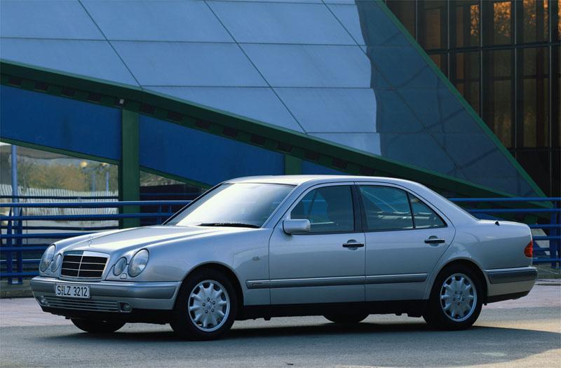 Mercedes-Benz E 200 Avantgarde (1999)