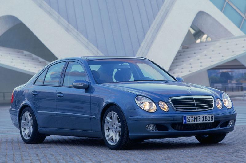 Mercedes-Benz E 220 CDI Classic (2004)