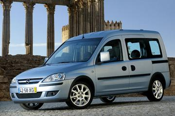 Opel Tour 1.7 CDTi Enjoy (2006)