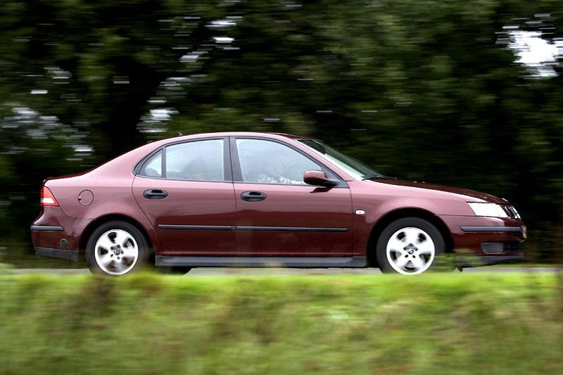 Klokje rond Saab 9-3