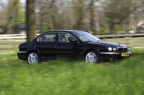 Klokje rond Jaguar X-type 3.0 V6 (2001)