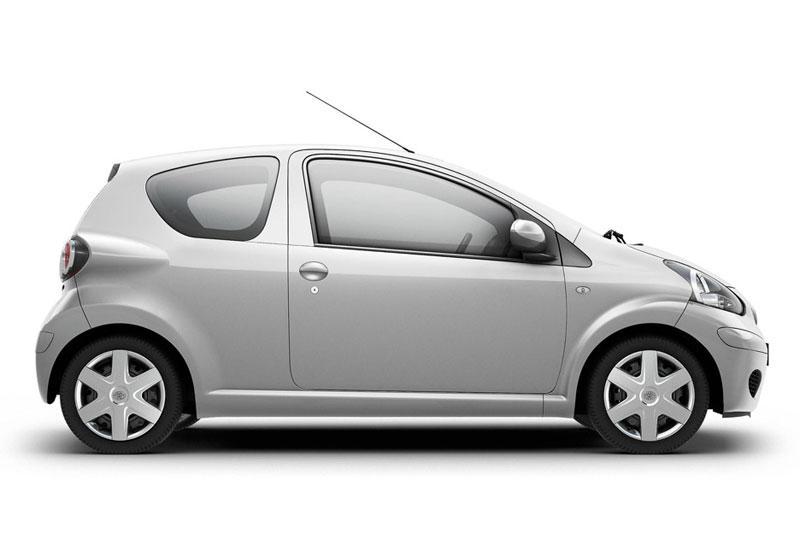 Toyota Aygo 1.0 12v VVT-i Cool (2010)