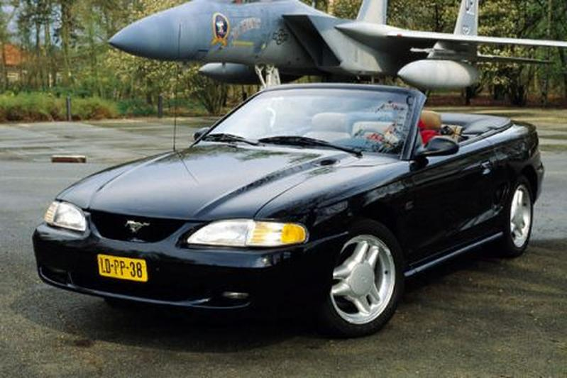 Ford Mustang GT Convertible (1996)