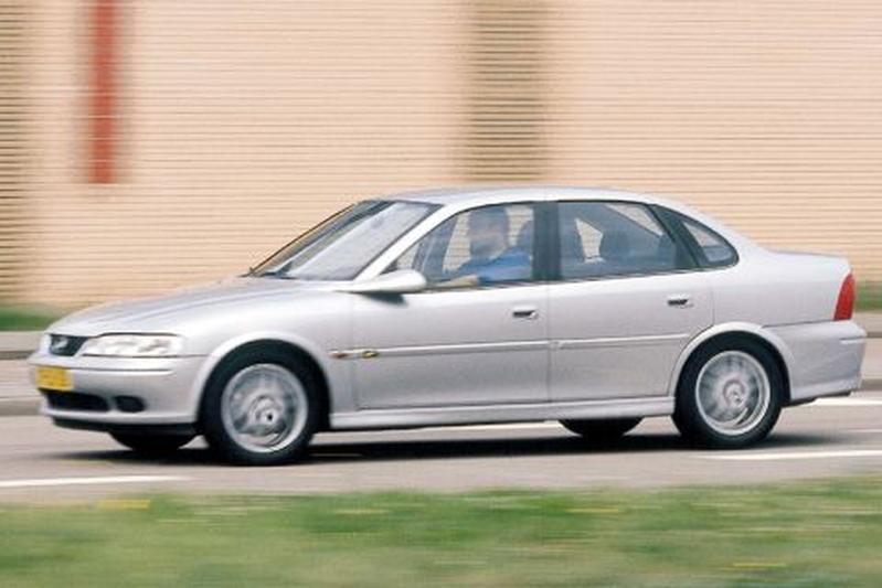 Opel Vectra 2.0i-16V Diamond (1999)