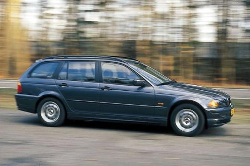 BMW 318i touring Executive (2000)