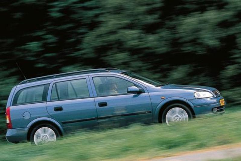 Opel Astra Stationwagon 2.0 Di-16V GL (1999)