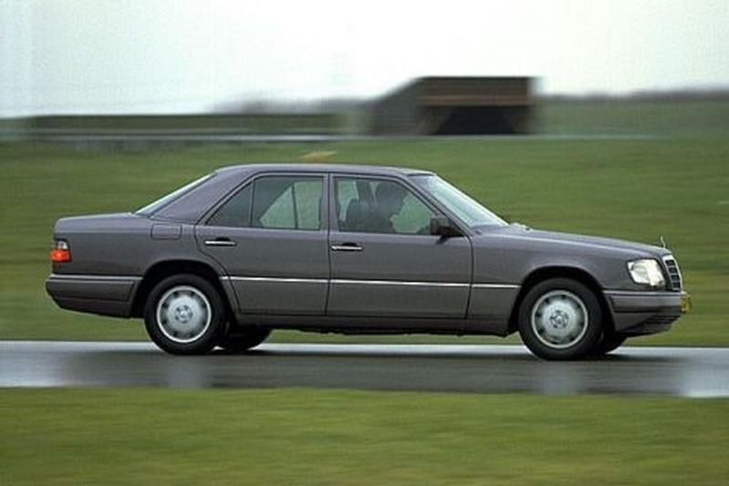 Mercedes-Benz E 320 (1994)