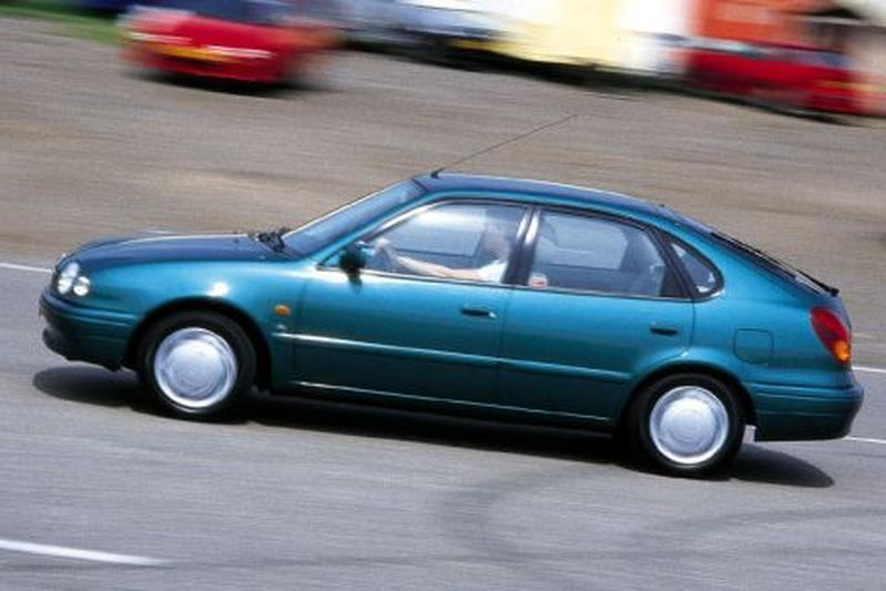 Toyota Corolla 1.6 16V Linea Luna (1998)