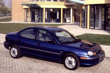 Chrysler Neon 2.0i 16V SE (1996)