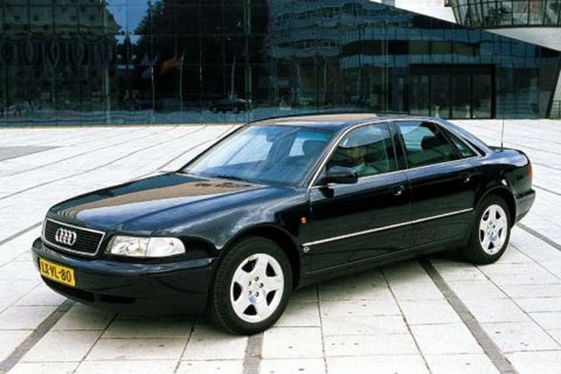 Audi A8 3.7 (1997)