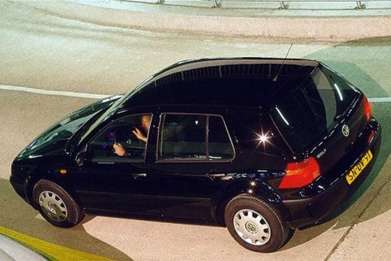 volkswagen golf 1 4 16v 1998 autotest. Black Bedroom Furniture Sets. Home Design Ideas