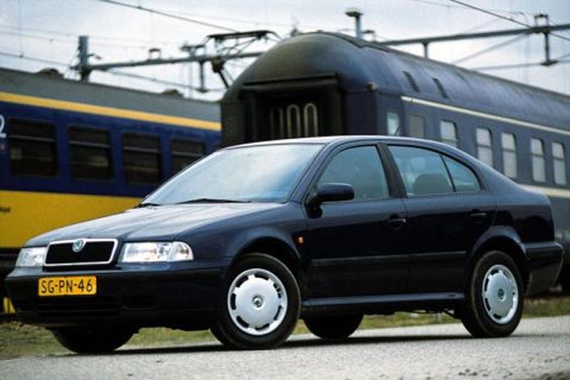 Skoda Octavia 1.6 100pk GLX (1998)