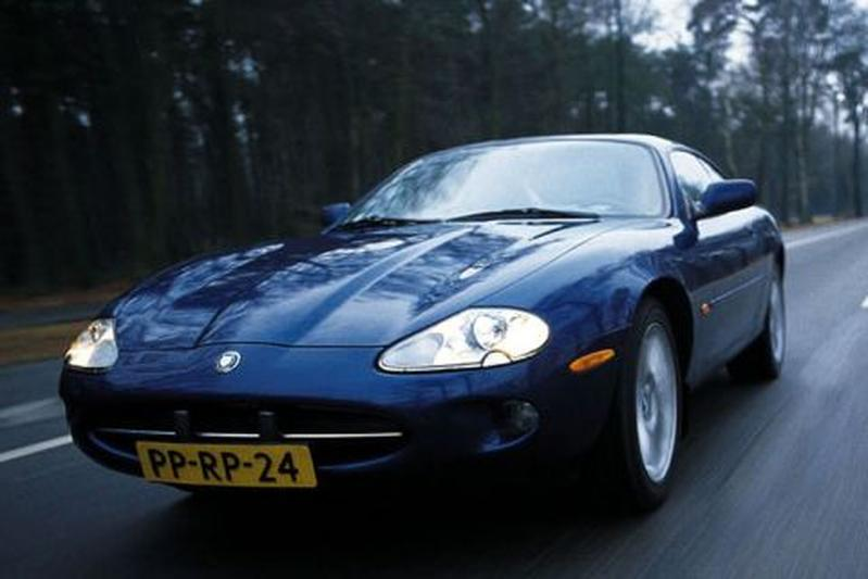 Jaguar XK8 Coupé (1998)
