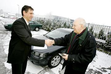 Kopen en verkopen met een automakelaar