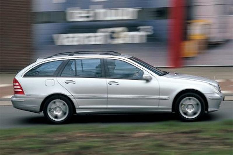 Mercedes-Benz C 240 Combi Elegance (2001)