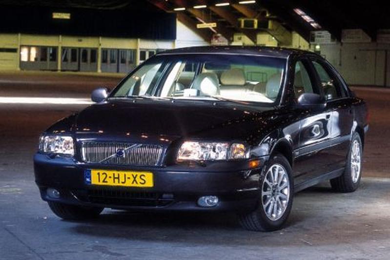 Volvo S80 2.4 D5 (2001)