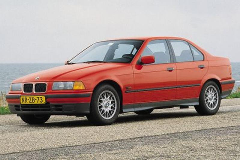 BMW 318is (1996)