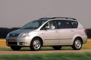 Toyota Avensis Verso 2.0 16V VVT-i Linea Sol (2001)