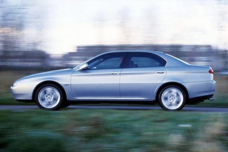 Alfa Romeo 166 2.5 V6 24V (2000)