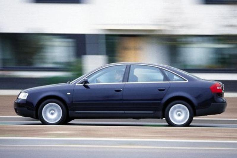 Audi A6 2.8 5V (2000)