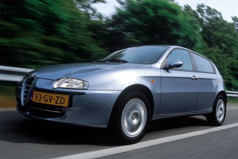 Alfa Romeo 147 2.0 T.Spark 16V Distinctive (2001)