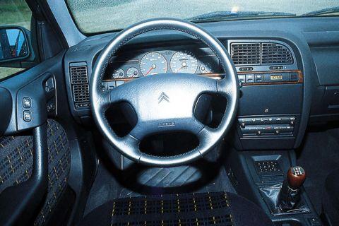 citroen xantia v6 activa 1997 autotest. Black Bedroom Furniture Sets. Home Design Ideas