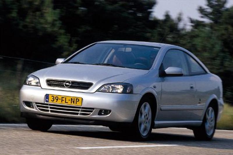 Opel Astra Coupé 1.8 16V (2000)