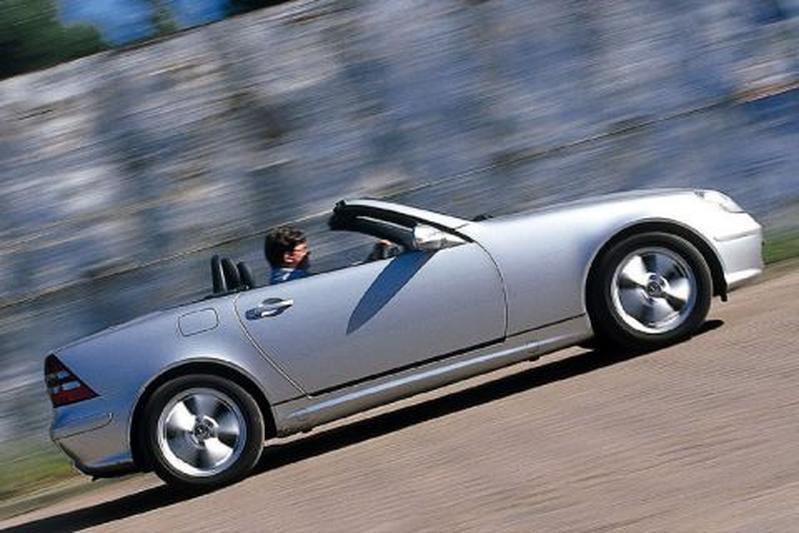 Mercedes-Benz SLK 320 (2000)