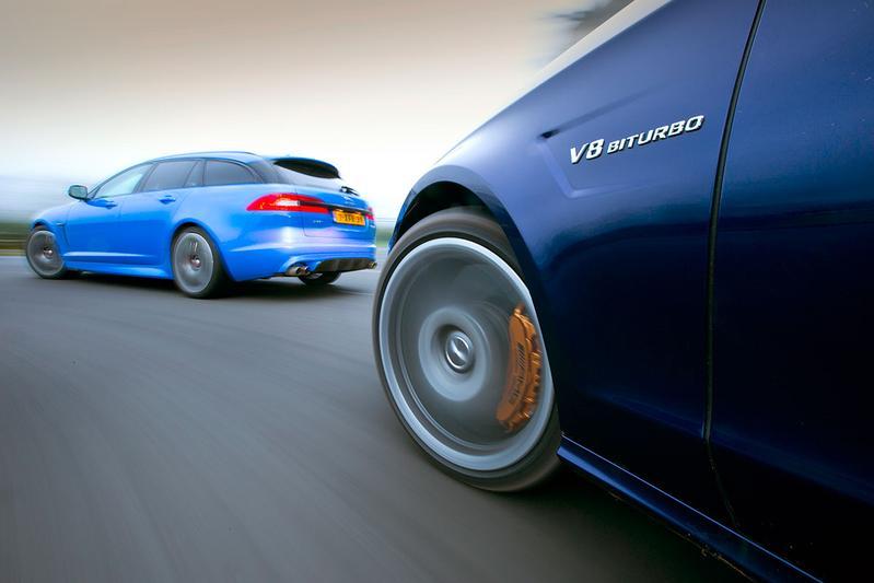 Dubbeltest - Jaguar XFR-S vs. Mercedes CLS 63 AMG