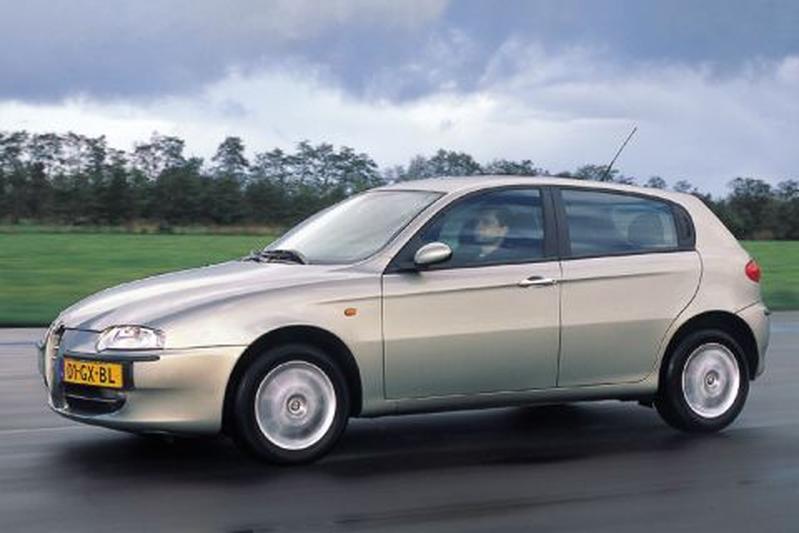 Alfa Romeo 147 1.9 JTD Distinctive (2002)