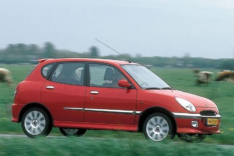 Daihatsu Sirion 1.3-16V VTi Tiptronic (2001)