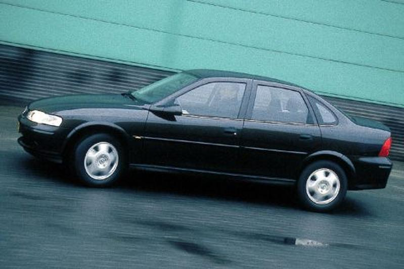 Opel Vectra 1.8i-16V Business Edition (2001)
