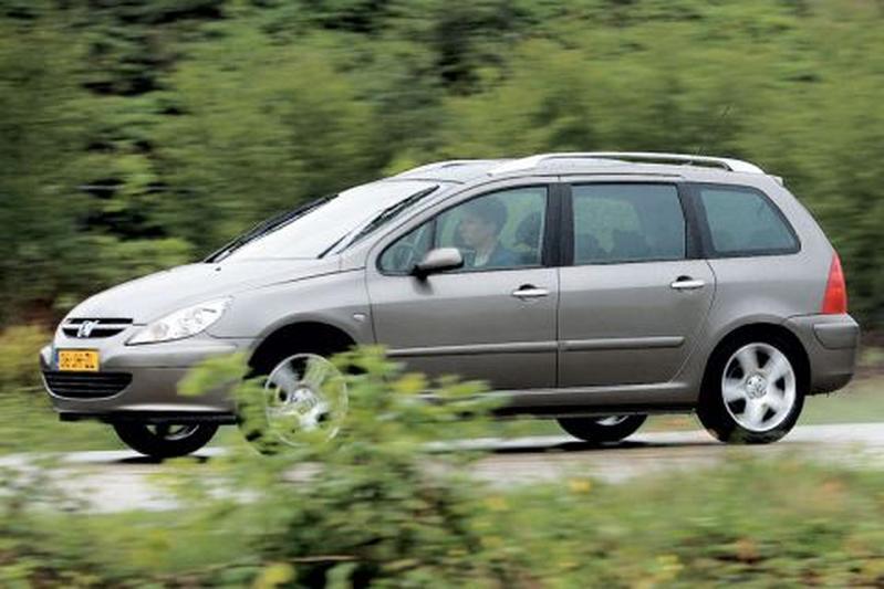 Peugeot 307 SW 2.0 16V (2002)
