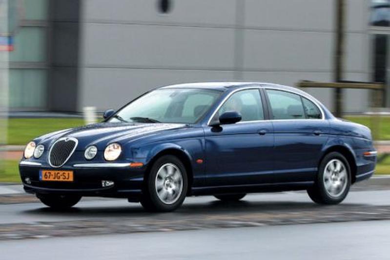 Jaguar S-type 2.5 V6 Executive (2002)