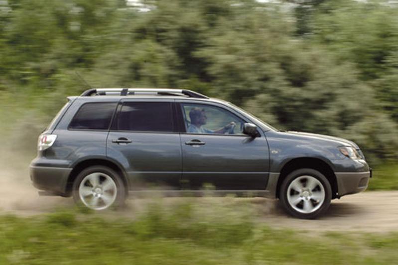 Mitsubishi Outlander 2.0 Sport 4WD (2004)