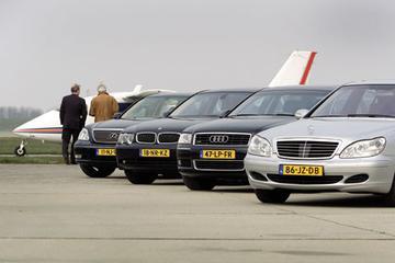 Audi A8 4.2 – BMW 745i – Lexus LS430 – Mercedes-Benz S 430