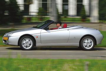 Alfa Romeo Spider 2.0 JTS (2004)