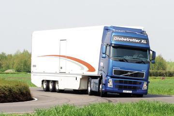 Met 'n 40-tonner de weg op