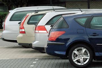 Multitest Peugeot 407 SW 2.2 XT aut. – Opel Vectra Stationwagon 2.0 Turbo Sport