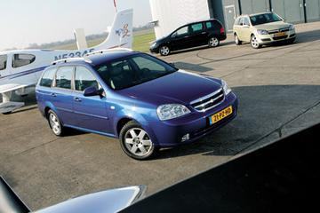 Opel Astra Stationwagon 1.6 Enjoy – Chevrolet Nubira Stationwagon 1.8 Style – Pe
