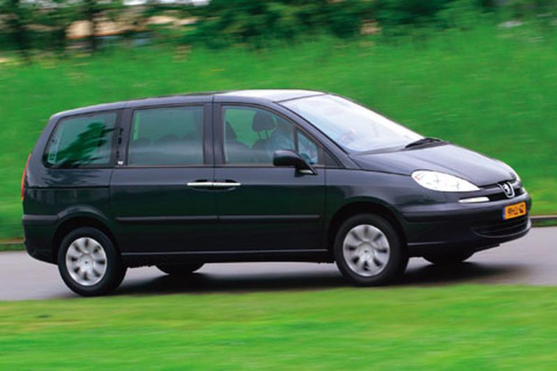 Peugeot 807 3.0 V6 ST (2003)