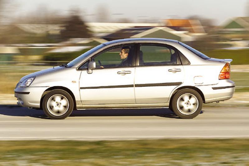 Suzuki Liana Sedan 1.6 GLX (2003)