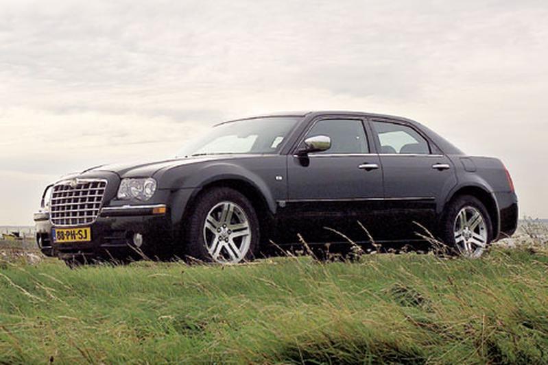 Chrysler 300C HEMI 5.7 V8 (2005)