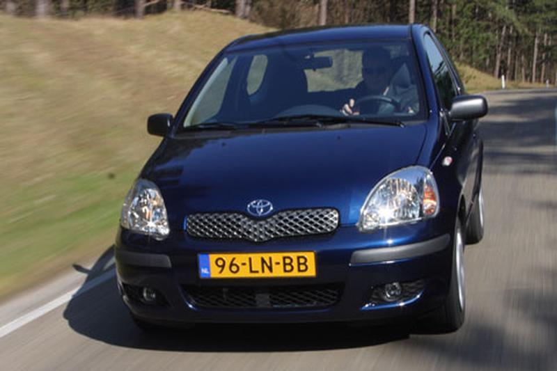 Toyota Yaris 1.3 Linea Luna (2003)