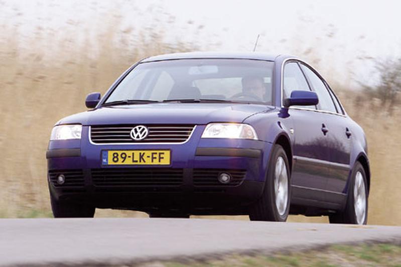 Volkswagen Passat 2.0 5V (2003)