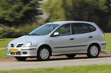 Nissan Almera Tino 2.2 dCi 136pk Acenta (2003)