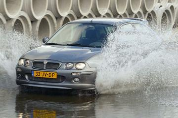 MG ZR 105 (2003)