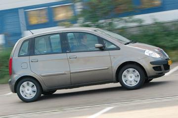 Lancia Musa 1.4 16v Oro (2005)