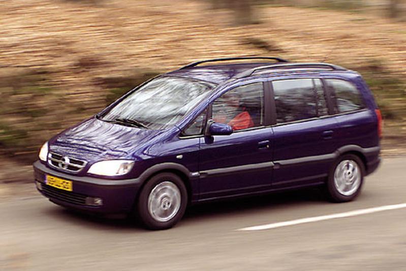 Opel Zafira 1.8-16V Elegance (2003)